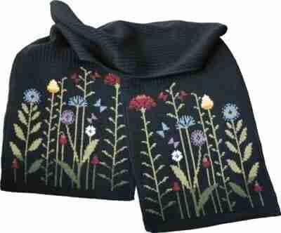 Flowers huivi merinovillaa